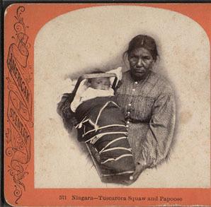 Mujer tuscarora con bebe